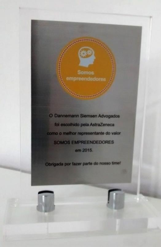 Empresa de Troféu Acrílico Homenagem Alto de Pinheiros - Troféu de Acrílico para Empresa
