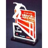 troféu acrílico de premiação Vila Olímpia