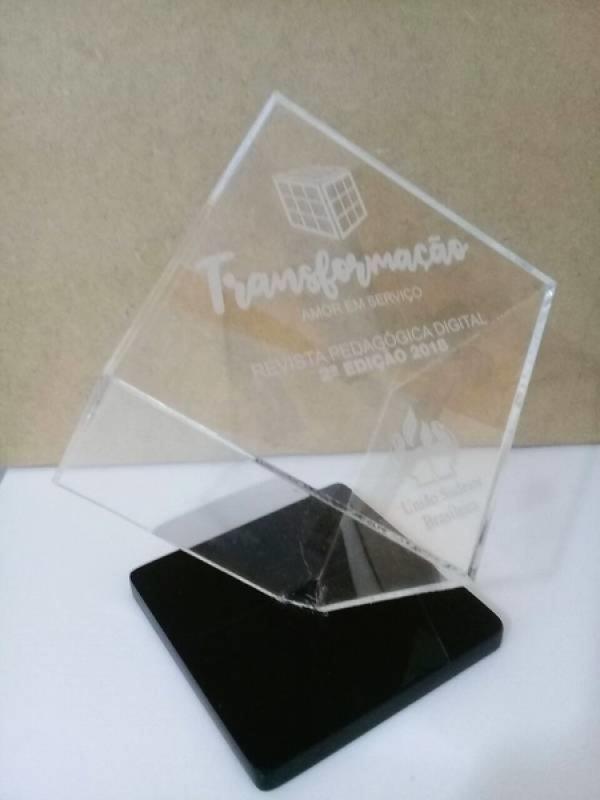Troféu Feito de Acrílico Personalizado Sumaré - Troféu em Acrílico Tipo Personalizado